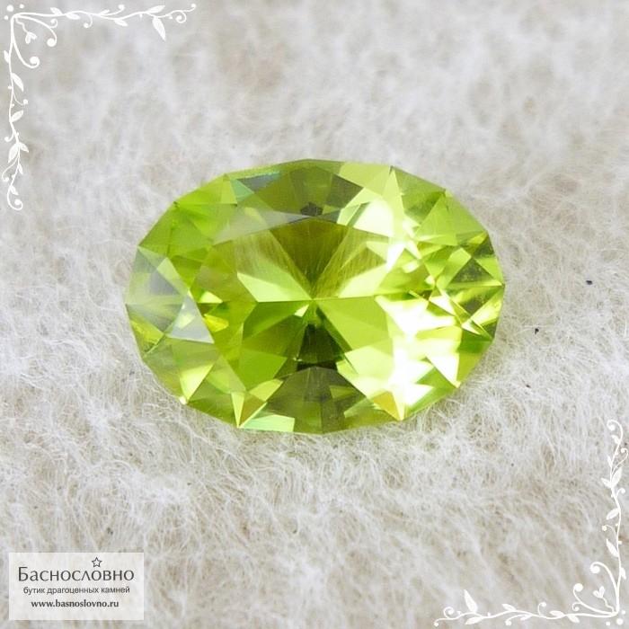 Яблочно-зелёный хризолит (перидот, оливин) из Китая отличная огранка в Баснословно овал 10,78x7,82мм 2,67 карата (Драгоценный камень)
