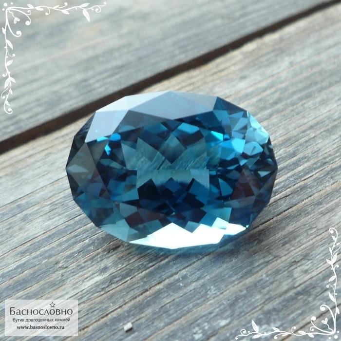 Пара ярко-голубых топазов (оттенок swiss blue) из Африки отличная европейская огранка от Swarovski квадрат Принцесса 10мм 11.75 карата