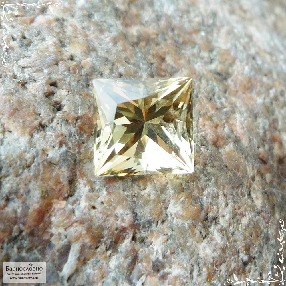 Цитрин из России огранки принцесса 10,05×9,91мм 5,03 карат (Драгоценный камень)