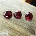 Гарнитур три ярко-красных граната (альмандин) из Мозамбика отличной огранки Баснословно бриллиантовая Кр57 8, 8,08 и 8,05мм 7,05 карат