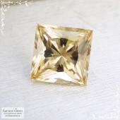 Цитрин из России отличной огранки Принцесса 10,03x10,02мм 4,85 карат (Драгоценный камень)