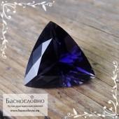 Синий иолит (кордиерит) из Индии огранка триллион 12,5мм 4.04 карат (Драгоценный камень)