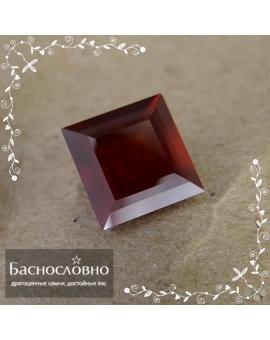 Натуральный оранжево-красный гранат гессонит из Мьянмы (Бирма) огранки Баснословно квадрат 9,8мм 5 карат (Драгоценный камень)