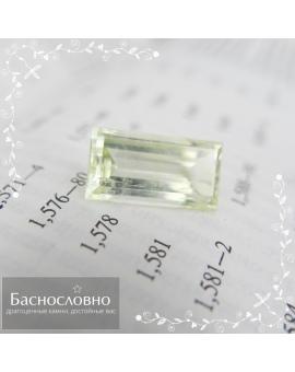 Натуральный салатово-зелёный берилл из Украины огранки в Баснословно багет 18,47x9,78мм 10,54 карата (драгоценный камень)