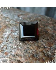 Натуральный тёмно-красный гранат из Замбии огранки Баснословно ступенчатый квадрат 11,89×11,83мм 10,04 карат (Драгоценный камень)