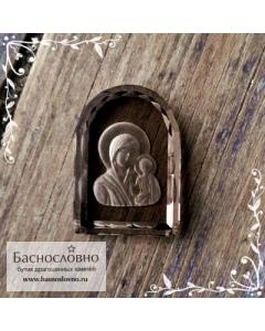 Резная Икона Казанской Божией Матери на натуральном дымчатом кварце (раухтопаз) работы Баснословно арка 16x12мм (Драгоценный камень)