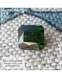 Тёмно-зелёный турмалин (верделит) из Мозамбика огранки октагон 6,15x5,99мм 1,47 карат