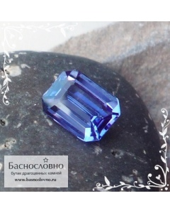 Синий танзанит из Танзании огранка октагон 8,14x6,12мм 1,59 карат