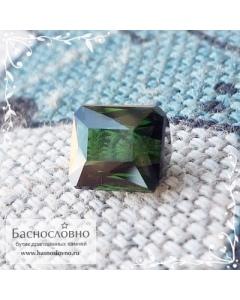 Тёмно-зелёный турмалин (верделит) из Мозамбика огранки октагон 6,75×5,98мм 1,65 карат